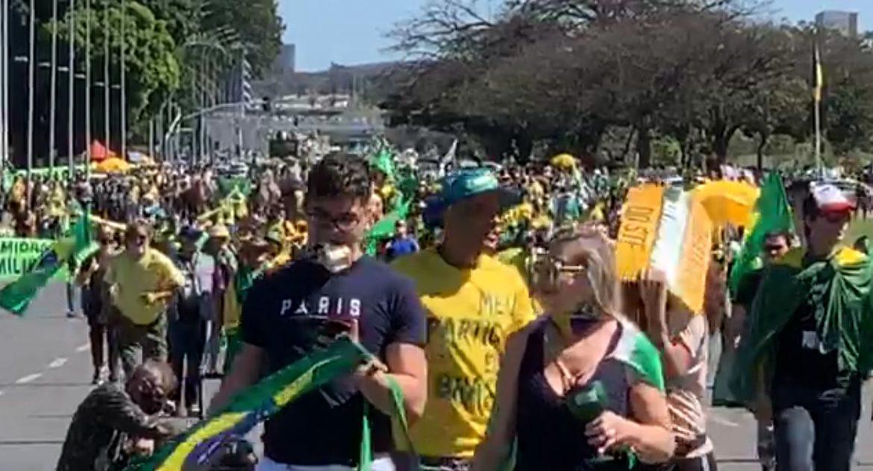 Apoiadores de Bolsonaro fazem protesto contra o STF em Brasília