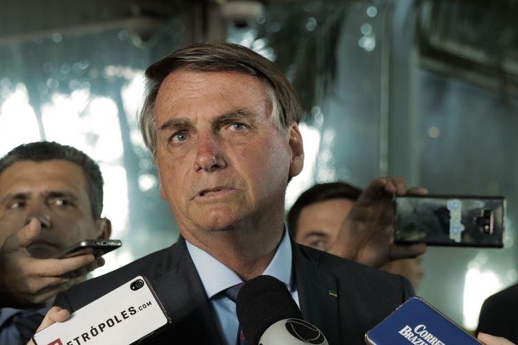 """Jair Bolsonaro afirma: """"gabinete do ódio"""" é maior fake news da mídia"""