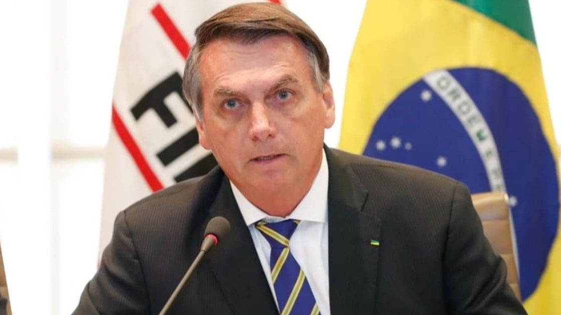 Bolsonaro afirma que STF deixou combate à pandemia para estados e municípios