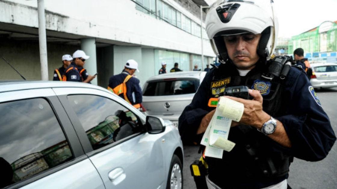 Prefeitura do Recife abre licitação para contratar empresa que auxilie nas multas de trânsito