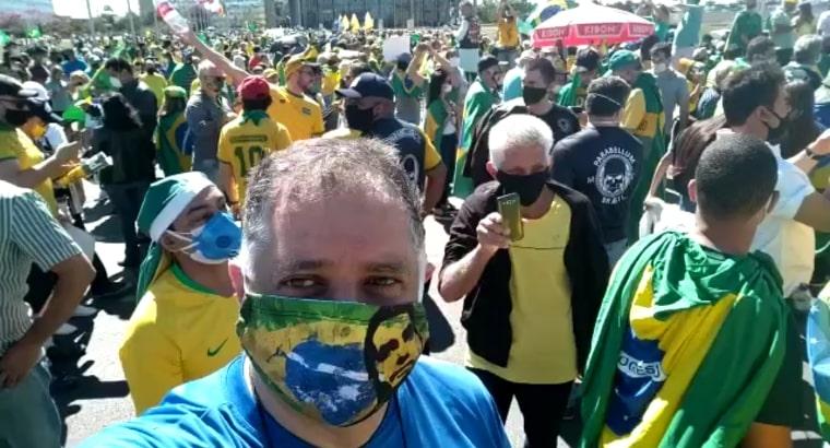 Vídeo: Apoiadores de Bolsonaro lotam Brasília neste domingo