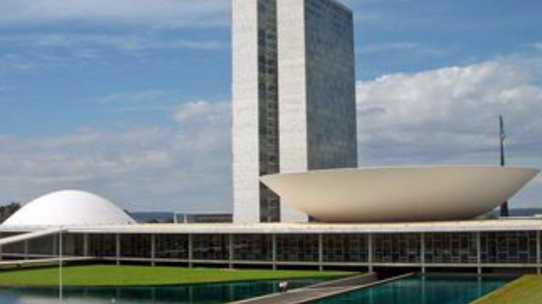 Câmara aprova adiamento das eleições deste ano