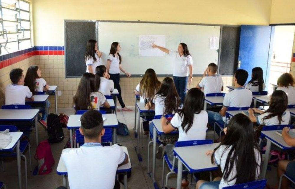 Enquete: você é contra ou a favor da volta às aulas durante a pandemia?