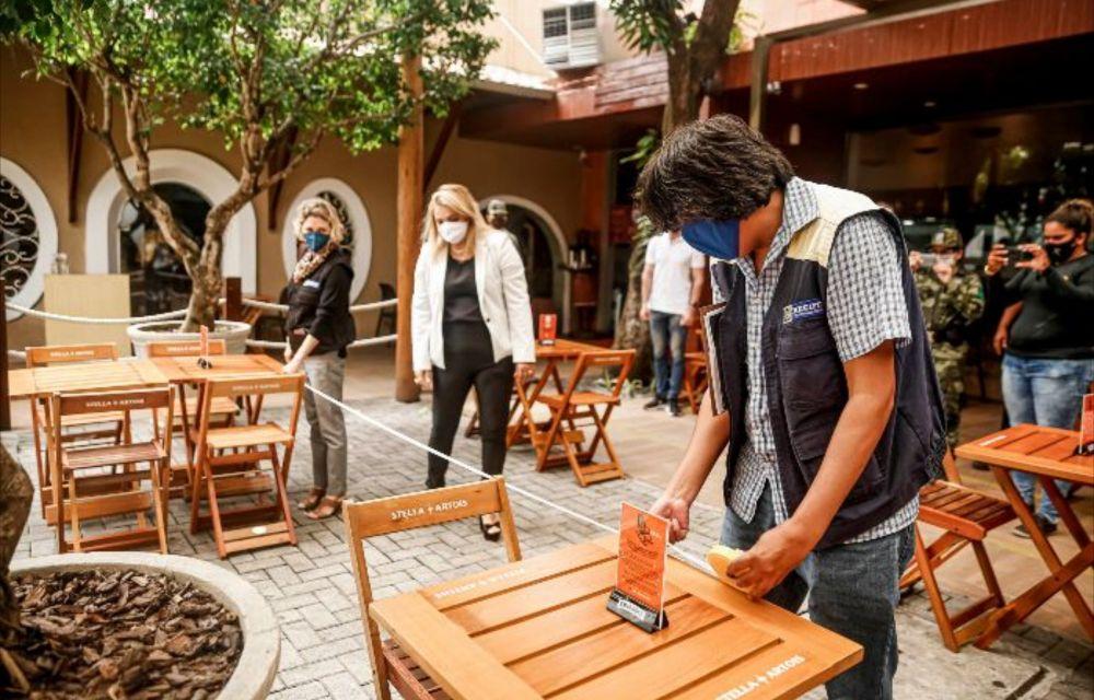 Bares e restaurantes têm horário ampliado na RMR e Mata a partir de segunda (10)