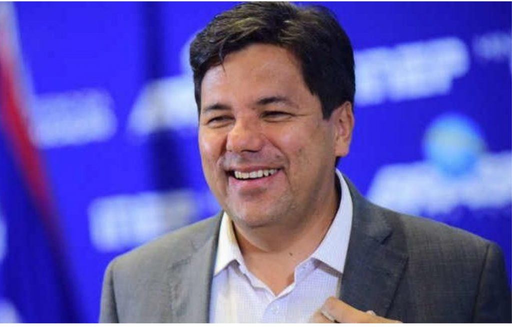 Mendonça garante segundo maior tempo no guia para prefeito do Recife
