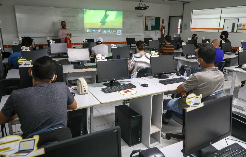Jaboatão retoma aulas presenciais em cursos de qualificação profissional