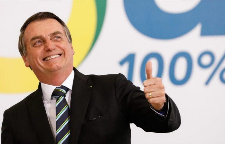 Aprovação do governo Bolsonaro sobe para 52% em pesquisa do PoderData