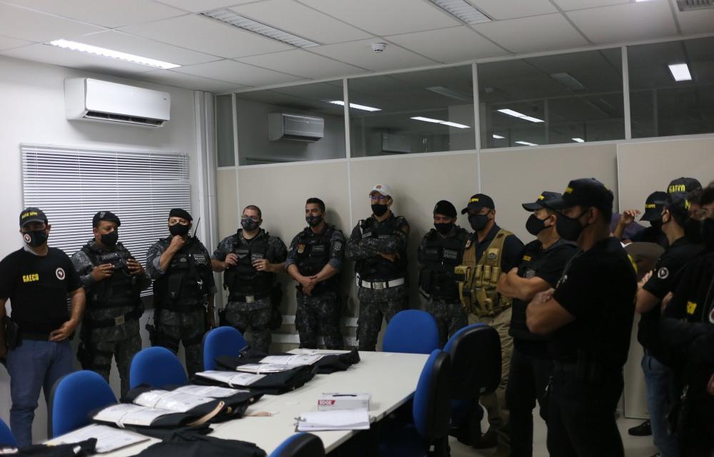 MPPE e PM cumprem mandados e presidente da Câmara de Sanharó é afastado