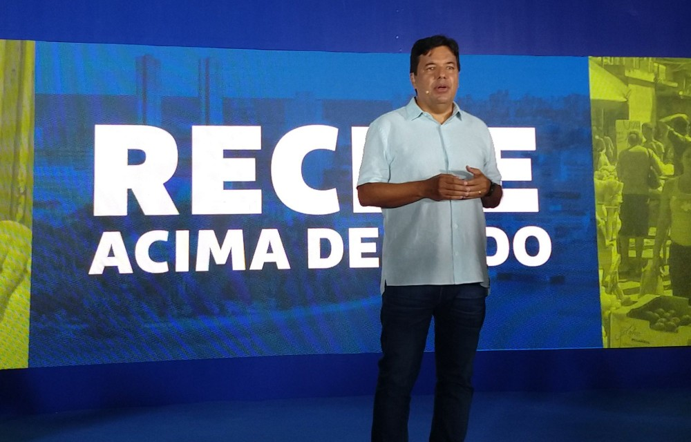 Mendonça lança campanha para prefeito com slogan Recife Acima de Tudo