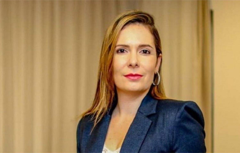Facebook de Patrícia Domingos tem coleção de asneiras