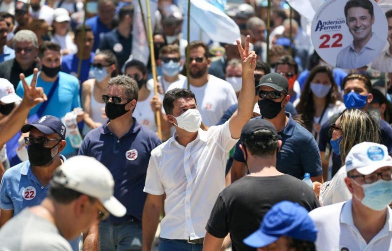 Jaboatão: Anderson Ferreira lidera grande caminhada em Cajueiro Seco