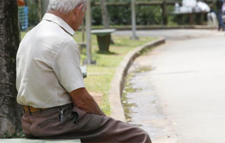 Mulher leva homem morto para fazer prova de vida e sacar sua aposentadoria