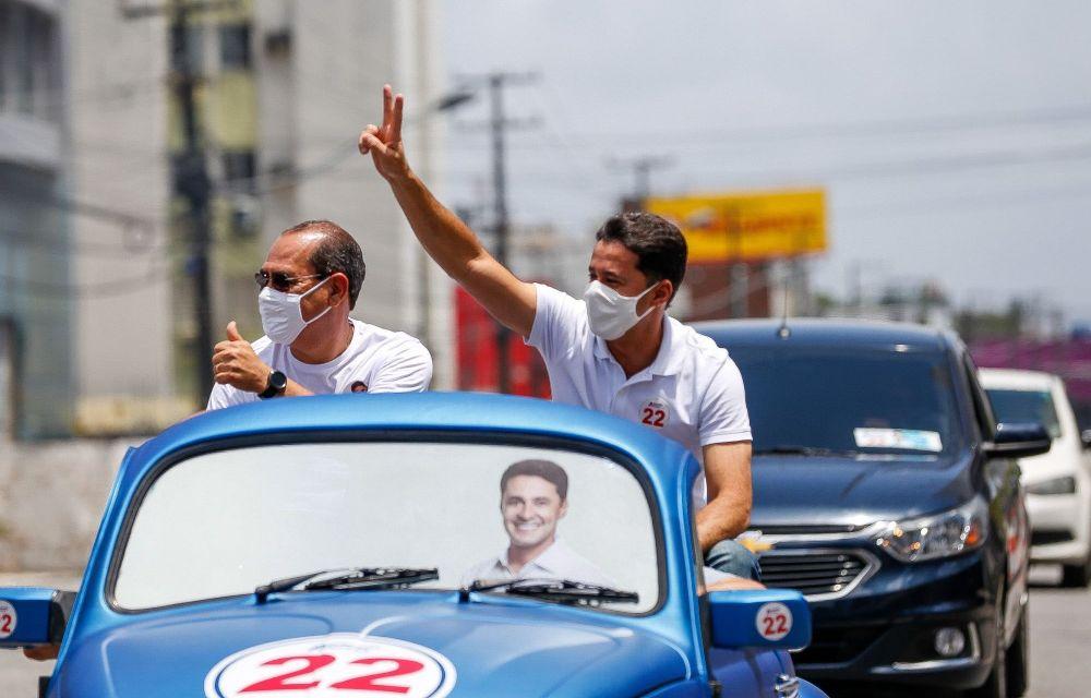 Anderson Ferreira acompanha carreatas em domingo de campanha à reeleição no Jaboatão