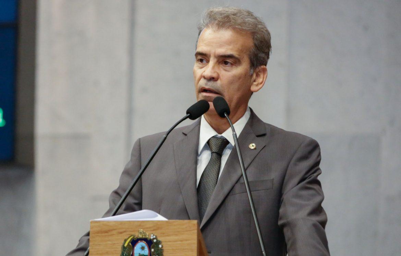 Agora contra, Alberto Feitosa recebeu R$ 400 mil do partido em 2018