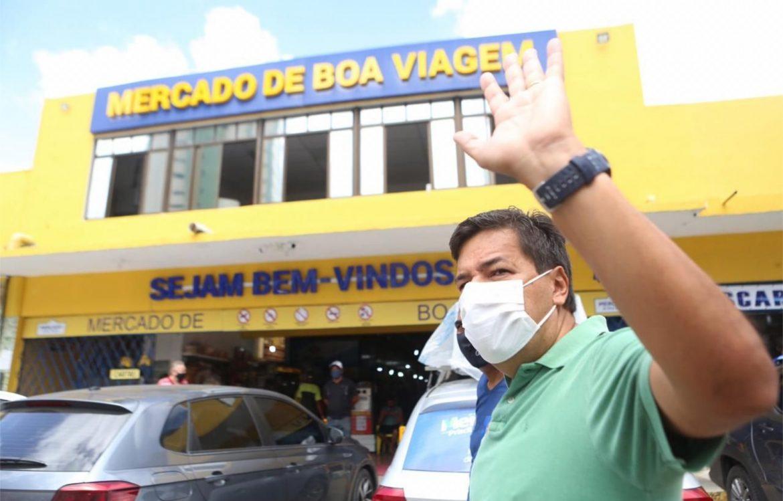 Mendonça reafirma compromisso de simplificar abertura de negócios e valorizar mercados públicos do Recife