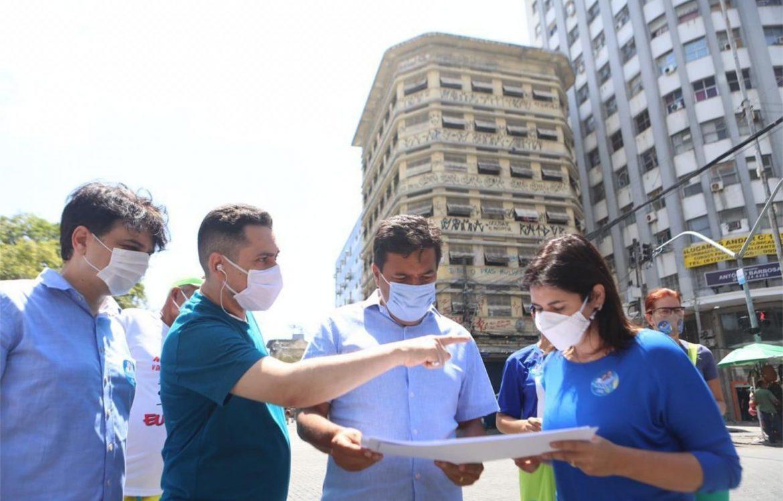 Mendonça caminha no Centro e anuncia zonas especiais com IPTU mais baixo e incentivo para recuperação de áreas abandonadas