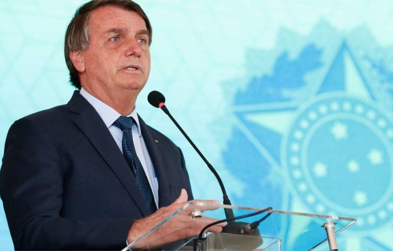 Bolsonaro anuncia aumento do salário mínimo para R$ 1.100,00