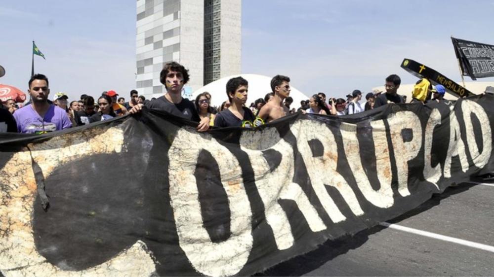 O vírus que mais mata no Brasil é o da corrupção