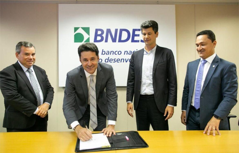 Anderson Ferreira contrata a maior PPP de iluminação pública do Estado
