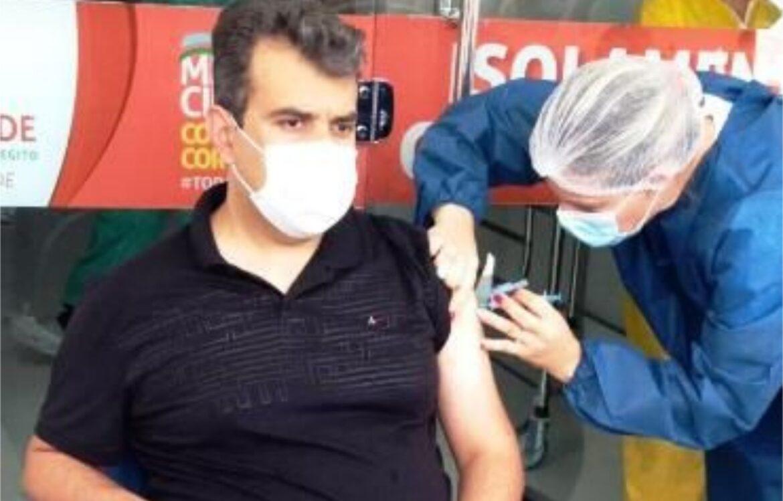 São José do Egito: Secretário de Saúde fura fila da vacinação contra a Covid-19