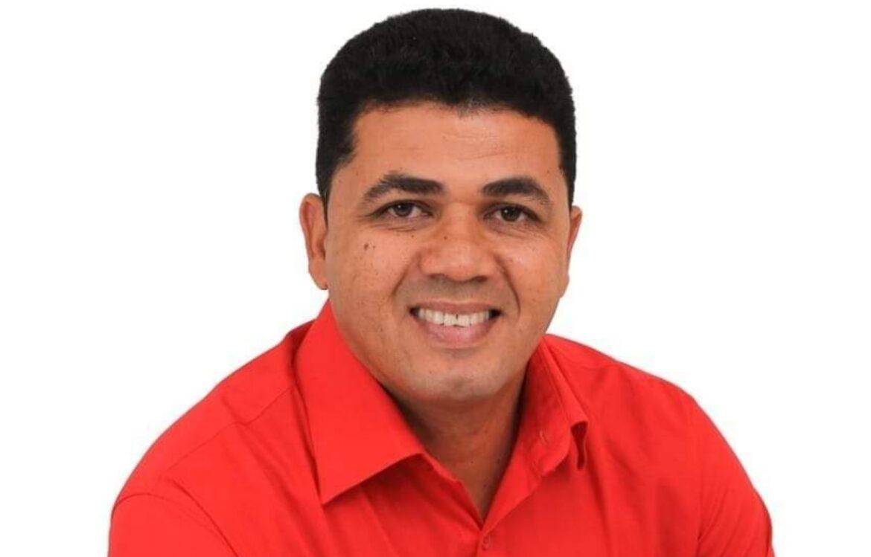 Prefeito de Tacaimbó responde a ação na Justiça por compra de votos