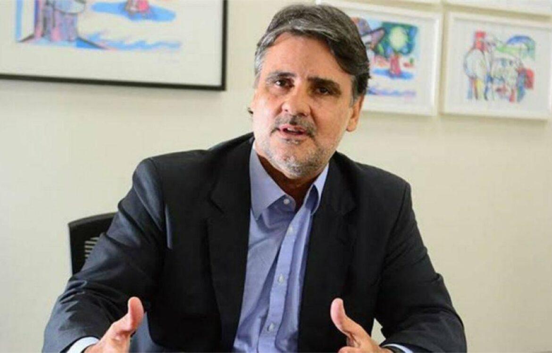 """""""Tal processo não é tão simples"""", diz Raul Henry sobre Impeachment de Bolsonaro"""