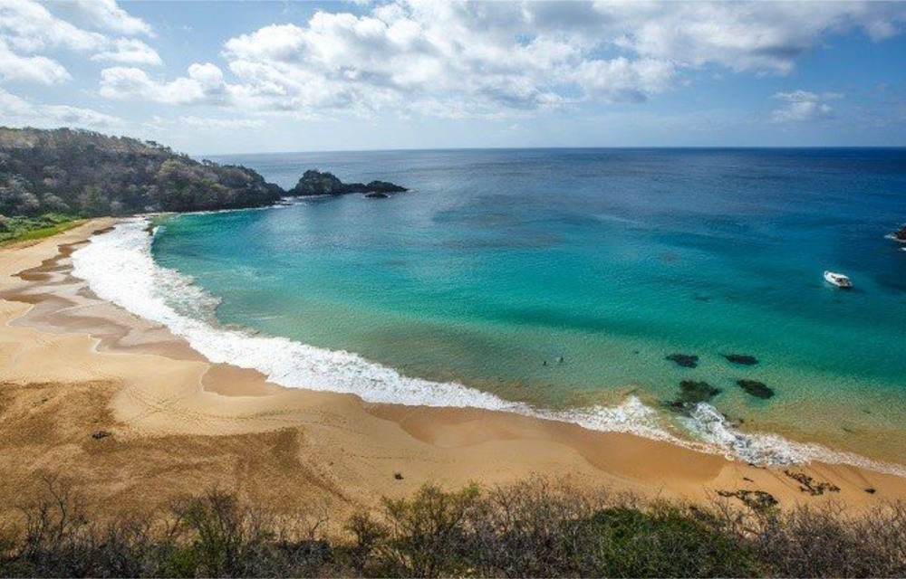 Praia de Fernando de Noronha é eleita a terceira melhor do mundo