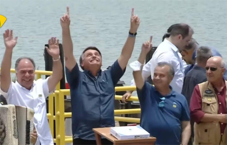 Bolsonaro inaugura novo trecho  do Ramal do Agreste em Sertânia