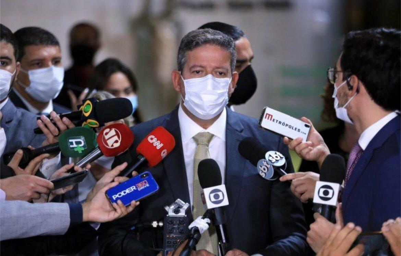 Lira afirma que decisão da Câmara sobre Silveira fortalece harmonia entre os Poderes