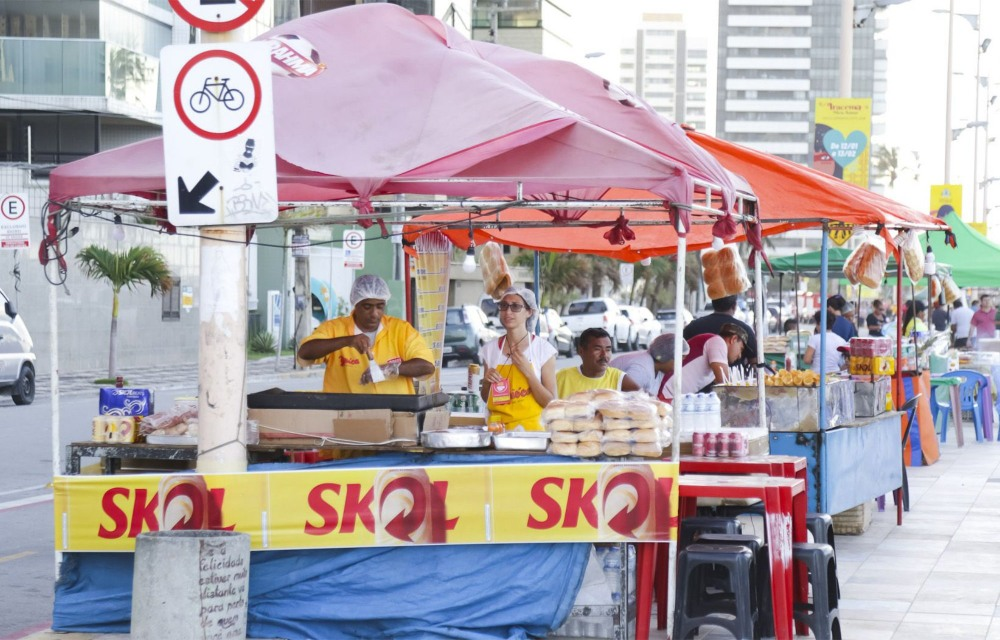 Sem carnaval, Ambev vai pagar até R$ 255 a ambulantes