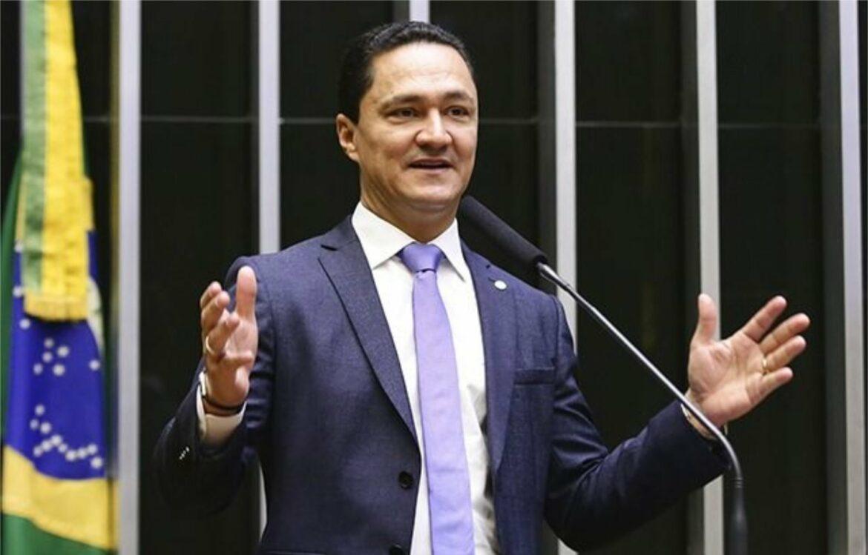 André Ferreira critica Paulo Câmara: só sabe proibir, mas não ajuda os municípios