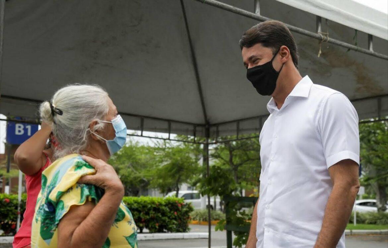 Pessoas com 63 anos já podem agendar vacinação em Jaboatão
