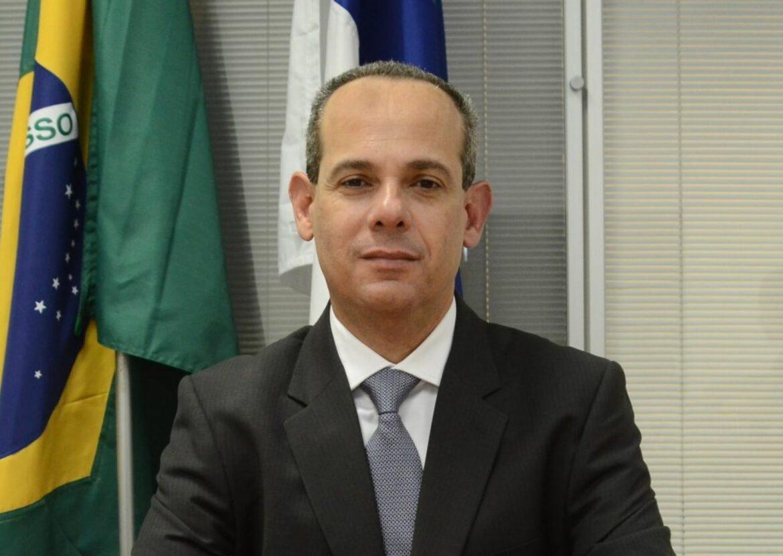 TCE multa Fred Amâncio em R$ 42.3 mil por irregularidades em contrato na Secretaria de Educação de Pernambuco