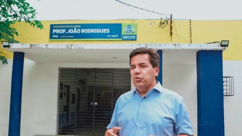 Mendonça critica Governo estadual por perseguir comerciantes e investir pouco na saúde