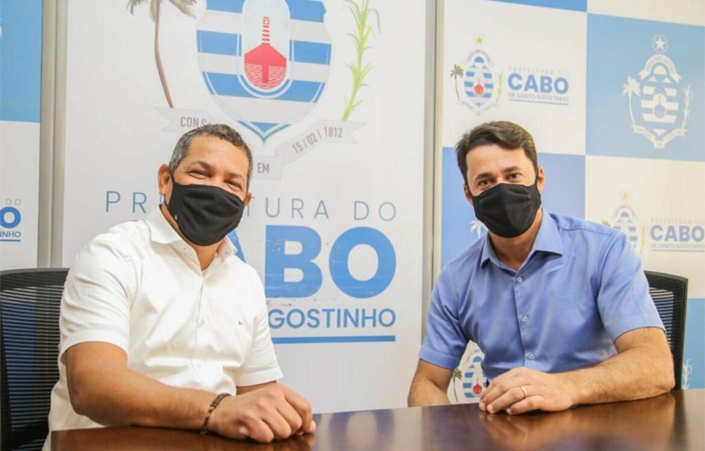 Keko recebe Anderson Ferreira para articulares ações contra covid e solucionar problemas comuns dos municípios
