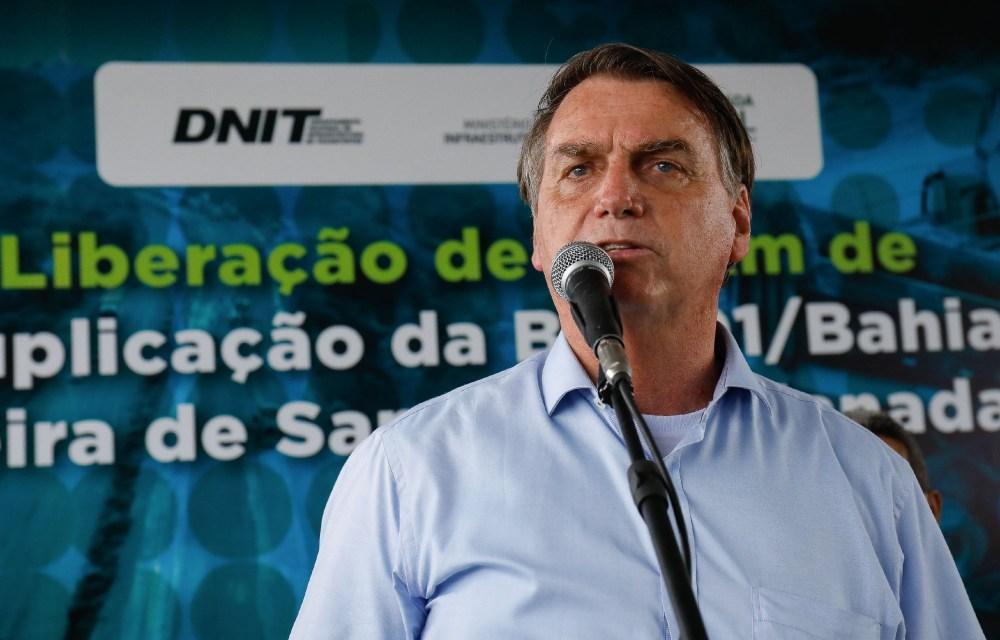 """Bolsonaro engrossa o tom: """"Não estiquem a corda mais do que está esticada"""""""