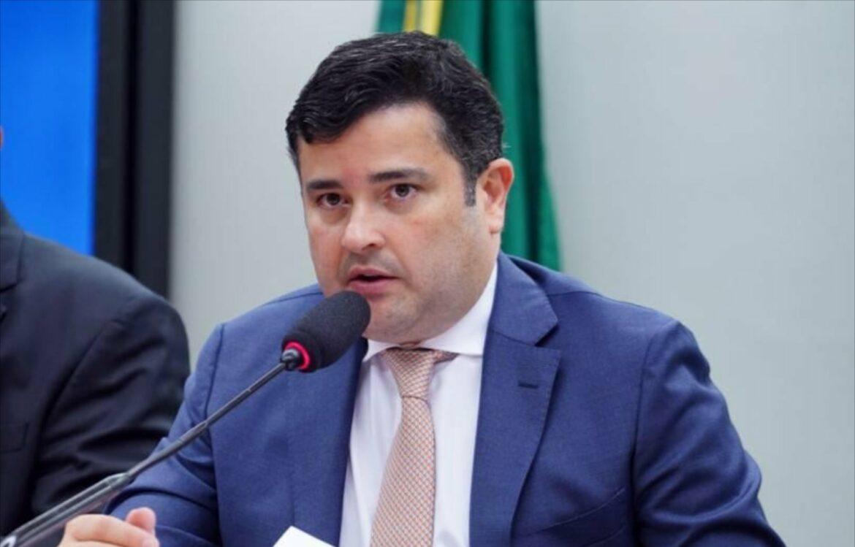 Eduardo da Fonte propõe priorizar profissionais de limpeza na vacinação contra Covid-19