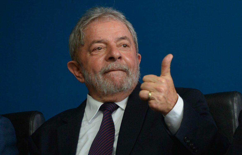 Câmara do Recife aprova voto de aplauso a Lula