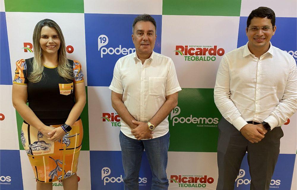 Ricardo Teobaldo convida Clarissa Tércio para o Podemos e Júnior Tércio para disputar a Câmara Federal