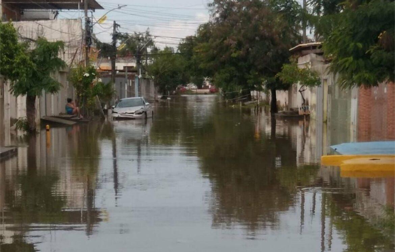 Acumulado de chuvas no Recife chega a 292 mm desde sexta-feira