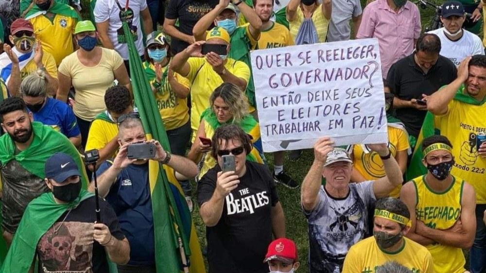 Oposição na CPI enfraquece após demonstração de força de Bolsonaro
