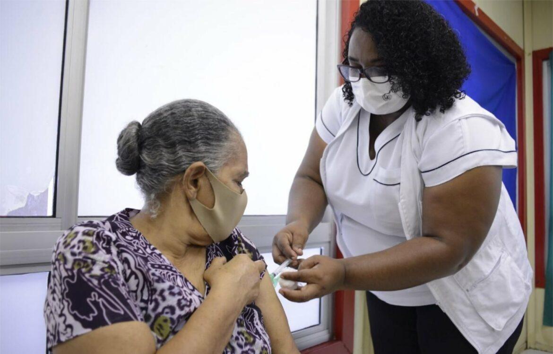 Ipojuca inicia sábado vacinação da AstraZeneca para pessoas com comorbidades