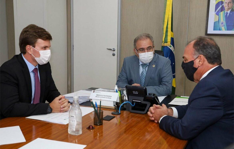 Miguel Coelho se reúne com ministro da Saúde para atrair recursos