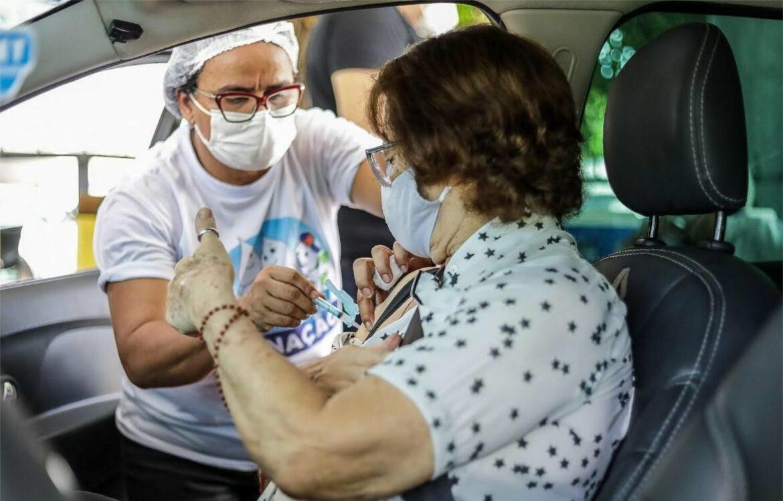 Jaboatão amplia vacinação para trabalhadores da educação a partir de 18 anos