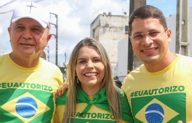 Família Tércio é destaque na carreata pró-Bolsonaro do Recife