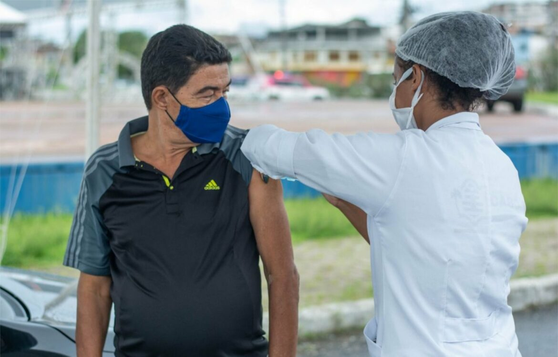 Cabo garante a segunda dose da Sinovac, começa a vacinar o grupo 60+ e já prepara a imunização do grupo comorbidades