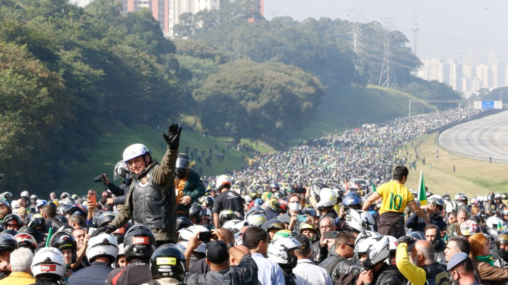 Governo divulga imagens da motociata de Bolsonaro em São Paulo