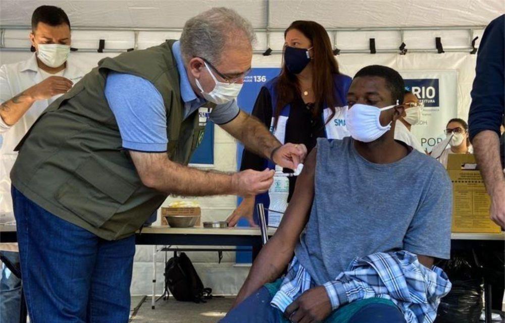 Brasil aplica mais de 2,56 milhões de vacinas em 24 horas