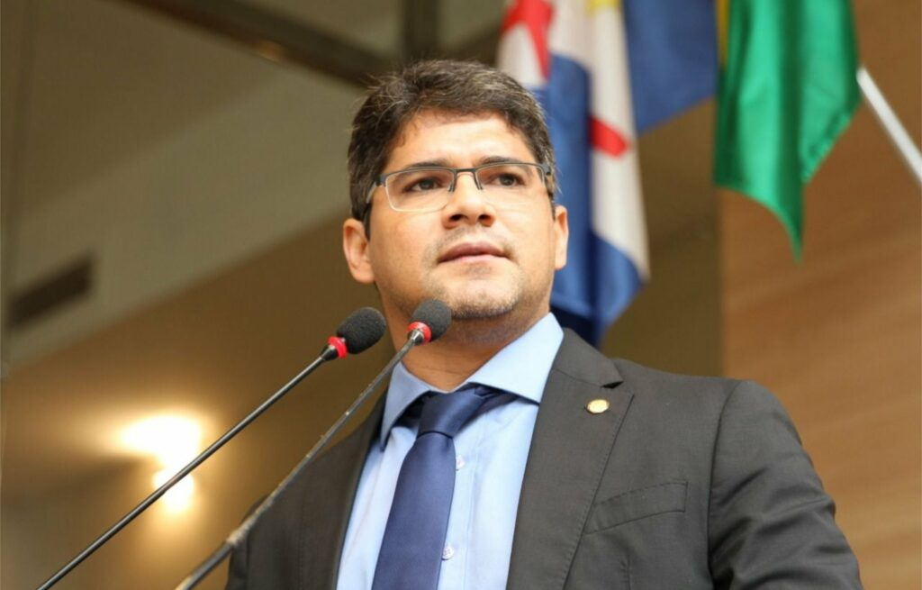 Renato Antunes pede reabertura de templos aos finais de semana