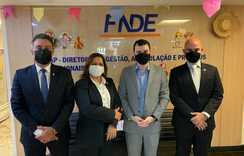 Prefeita Célia Sales vai a Brasília buscar investimentos para o município